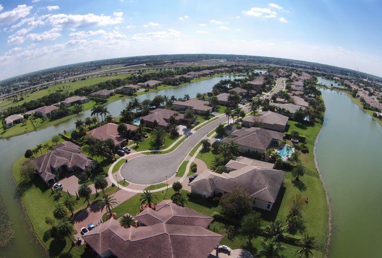Where is good homes for sale with pool in west palm beach?